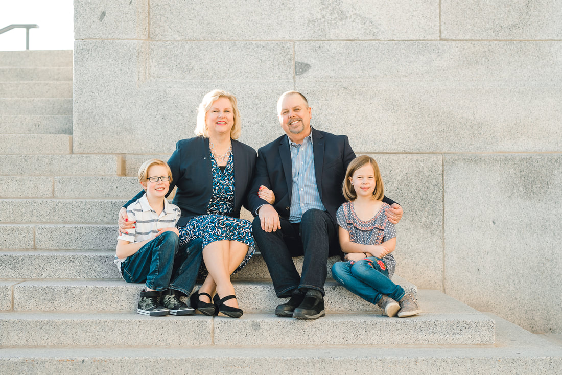Extended formal family photos at the Utah State Capitol